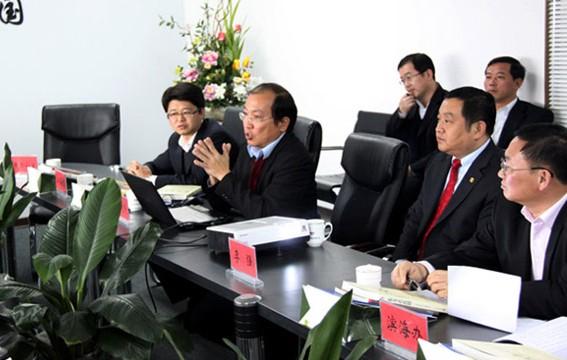 胶南市委书记万建忠一行视察访问长青中国