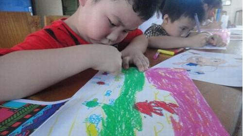 小孩画夏天的画画